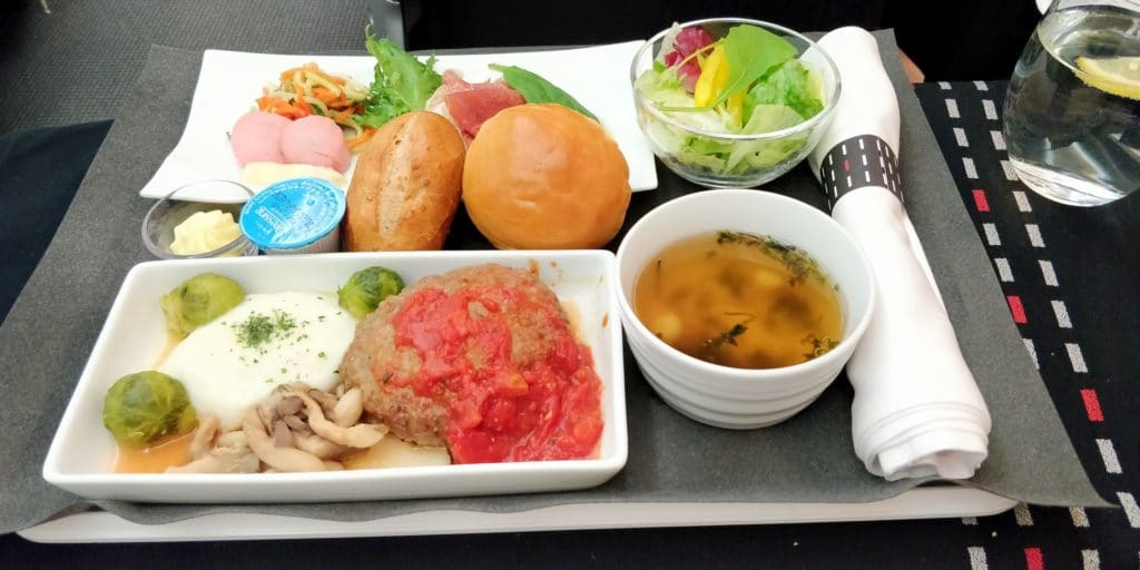Japan Airlines Business Class Boeing 787 Abendessen