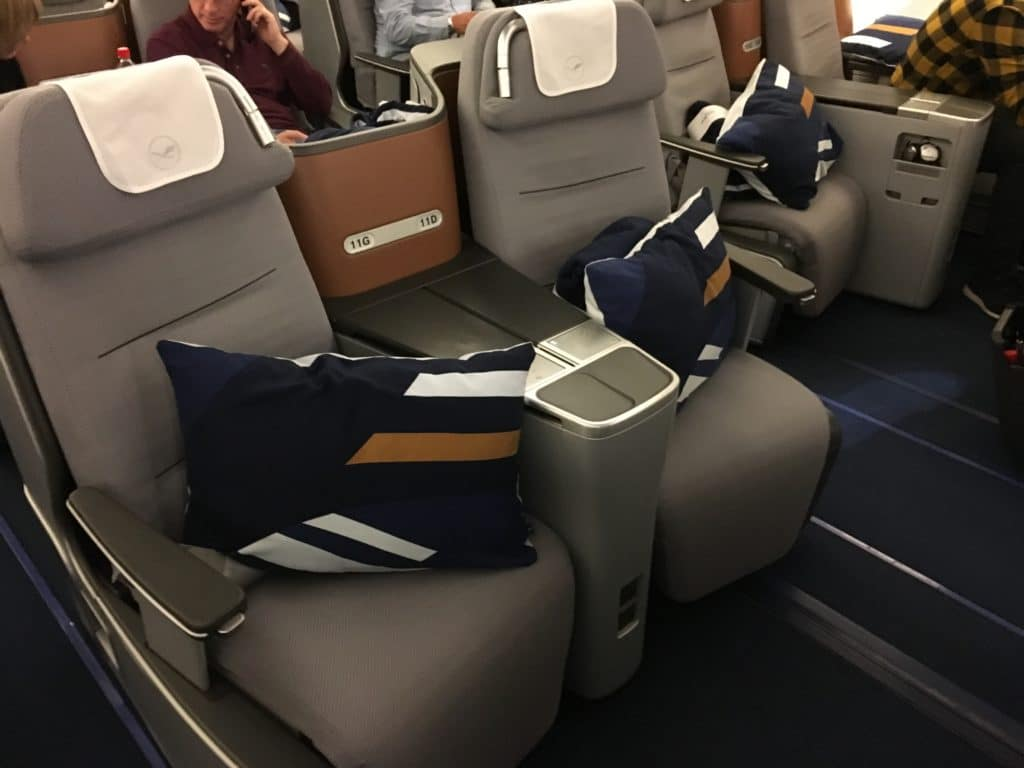 Lufthansa Business Class Airbus A380 Kabine 2 Round the World RTW