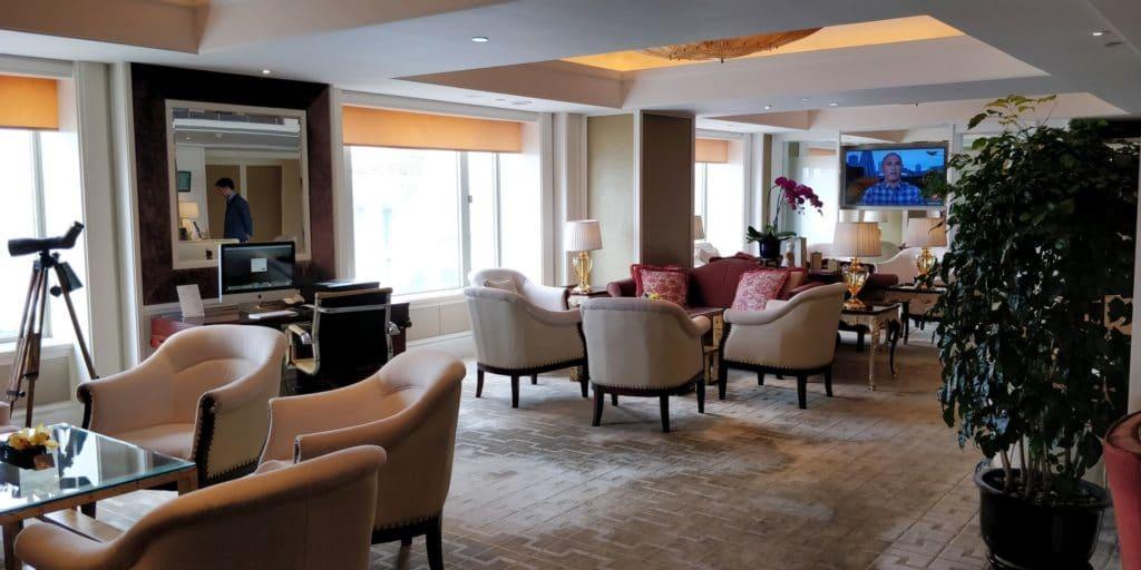 Pudong Shangri La Shanghai Lounge