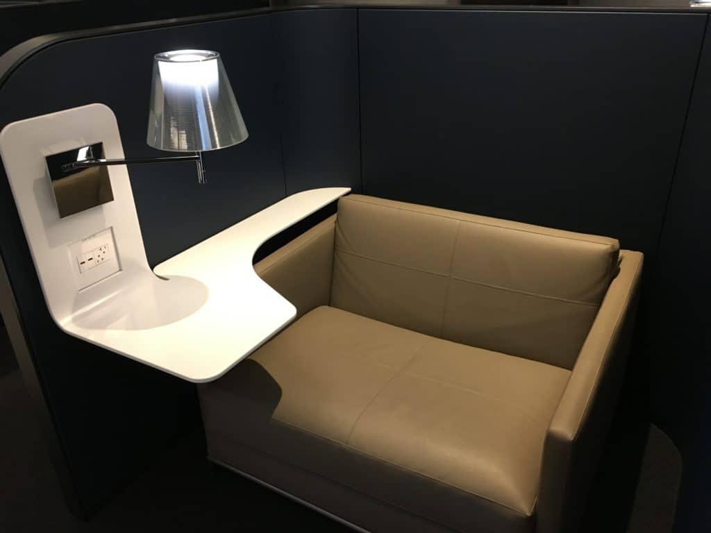 United Polaris Lounge San Francisco Sitzgelegenheiten 2