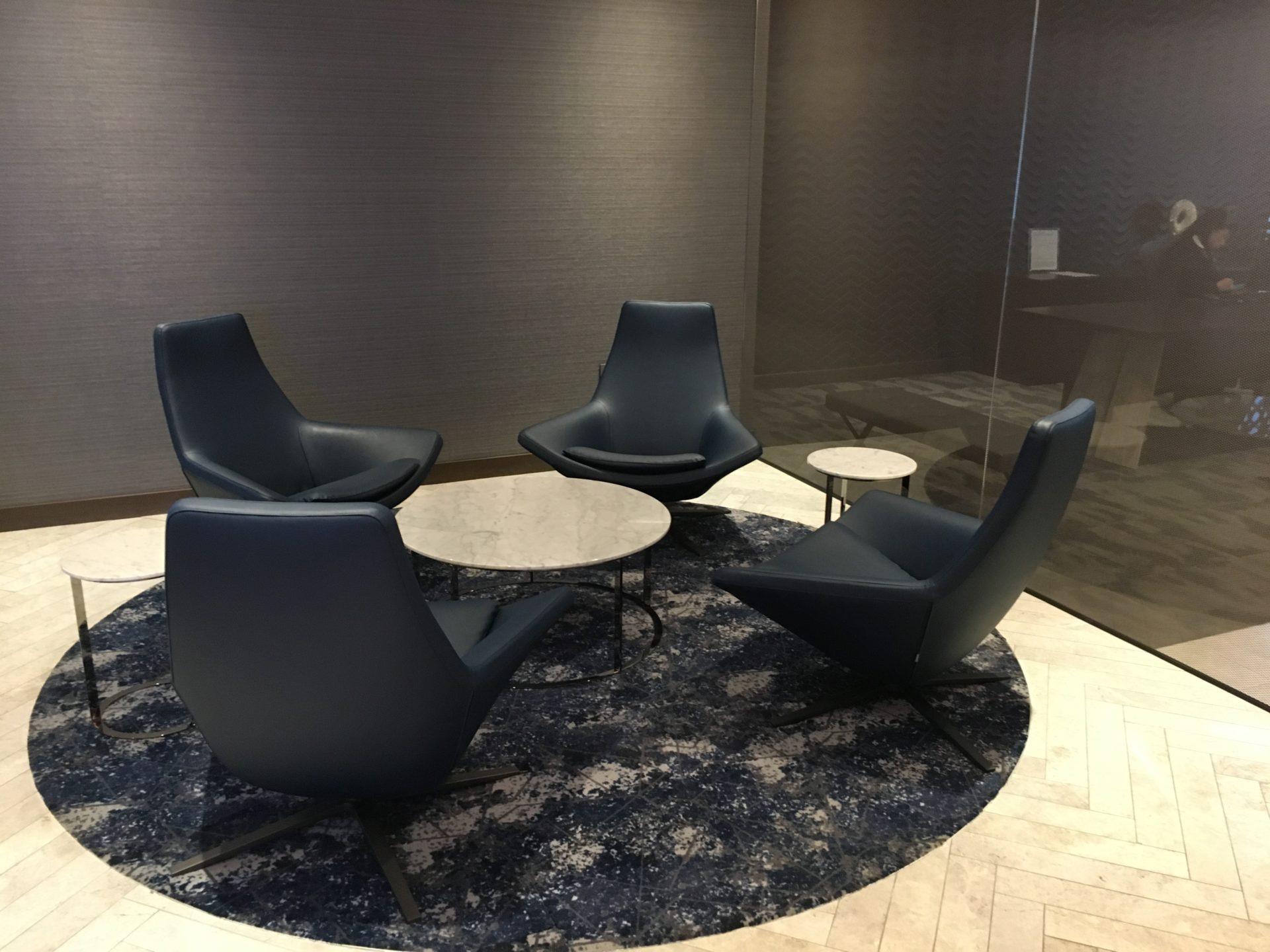 United Polaris Lounge San Francisco Sitzgelegenheiten 4