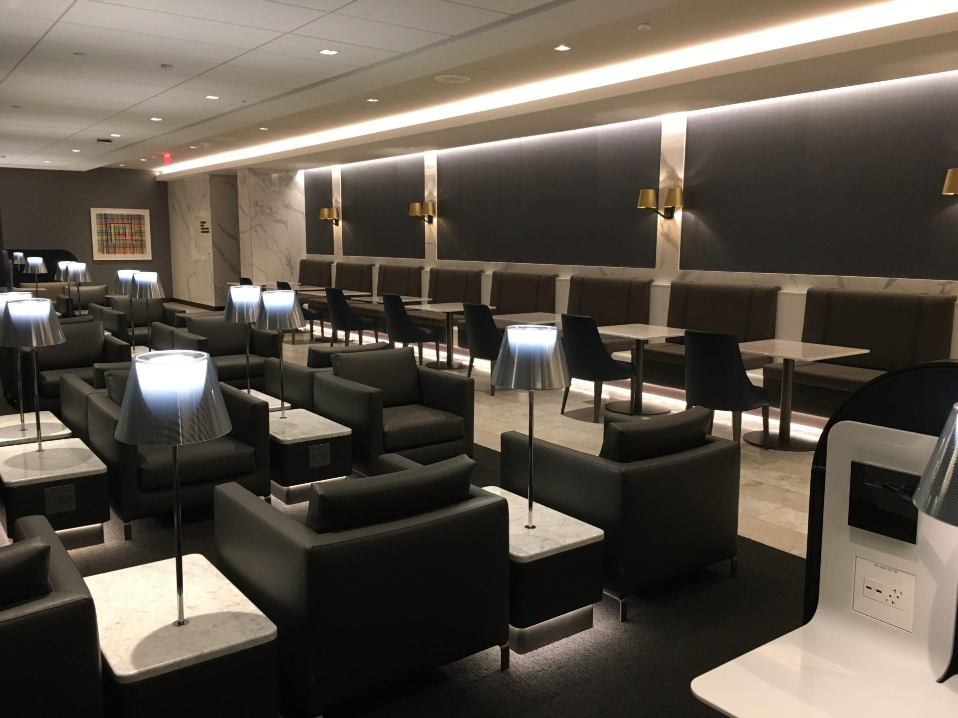United Polaris Lounge San Francisco Sitzgelegenheiten