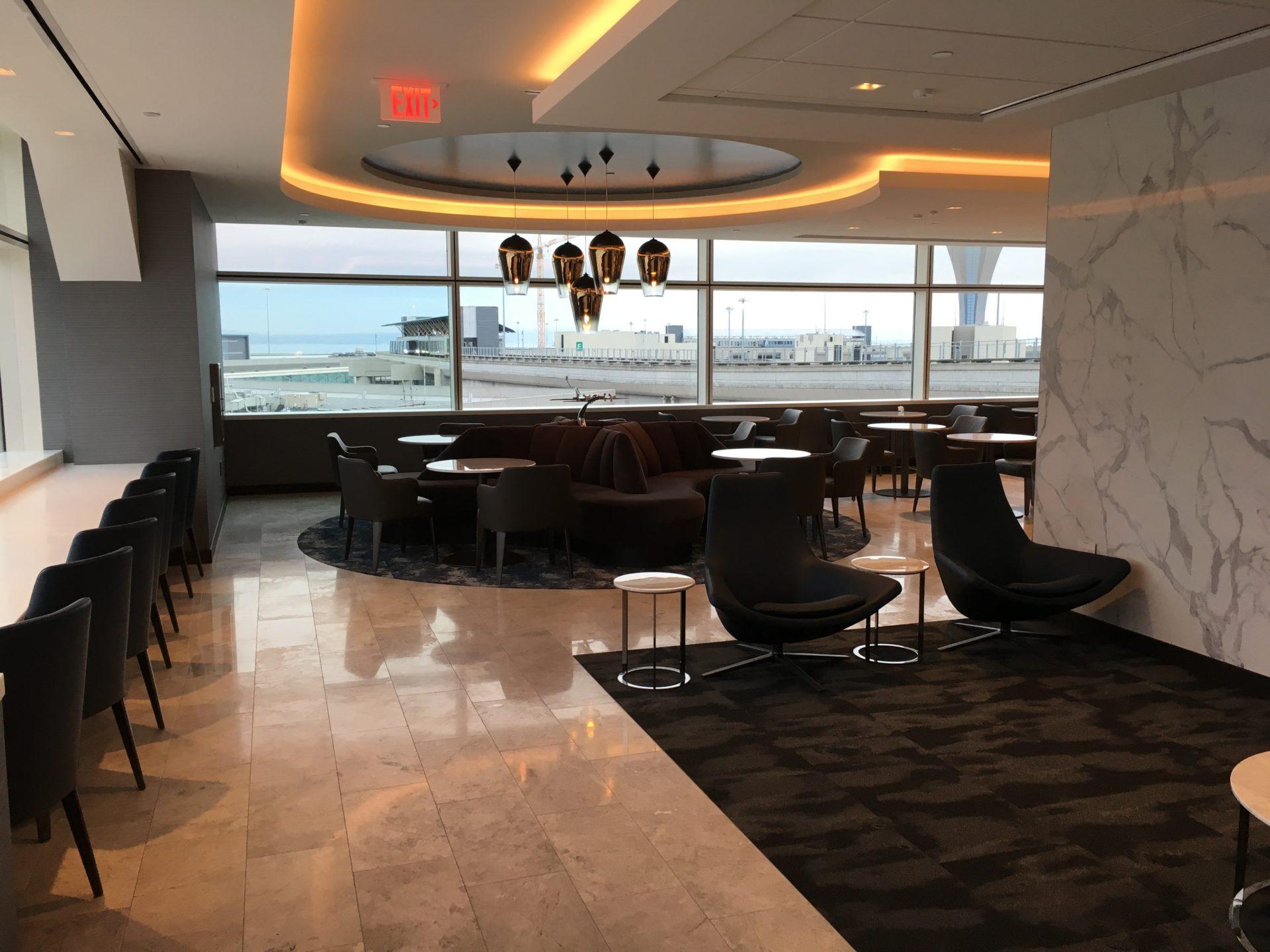 United Polaris Lounge San Francisco Studio