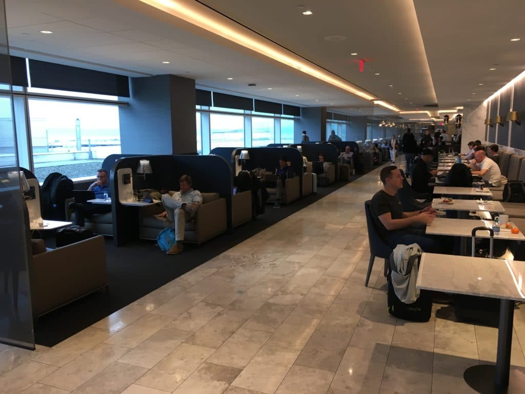 United Polaris Lounge San Francisco Gefüllt