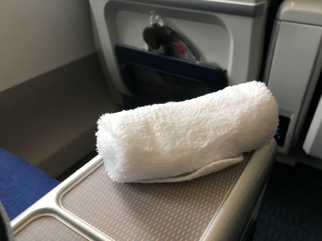 Air China Premium Economy Class Erfrischungstuch