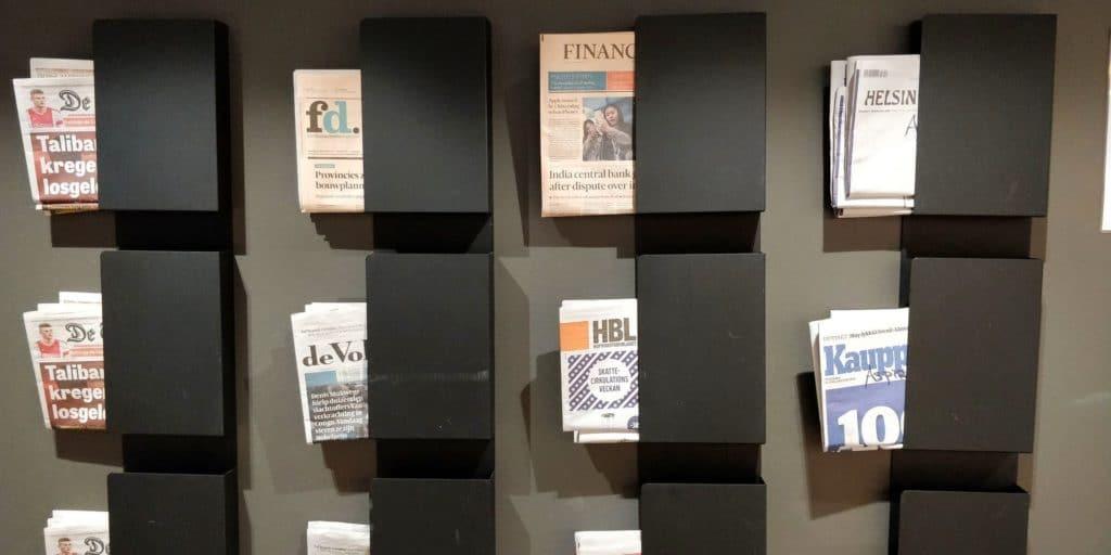 Aspire Lounge Helsinki Zeitungen