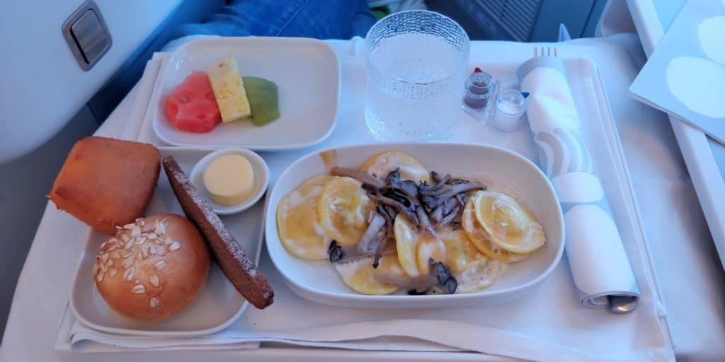 Finnair Business Class Airbus A350 Mittagessen