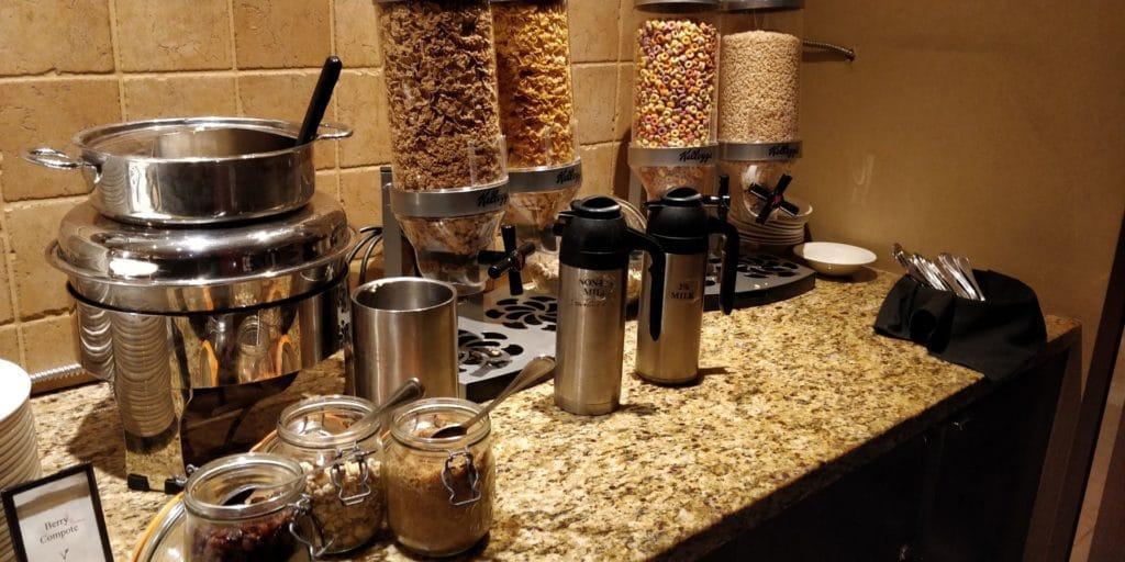 Hilton Whistler Resort Spa Frühstück 5