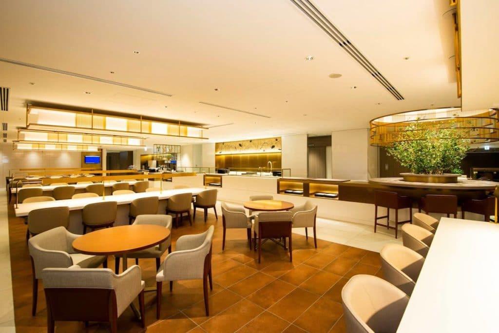 JAL First Lounge Narita