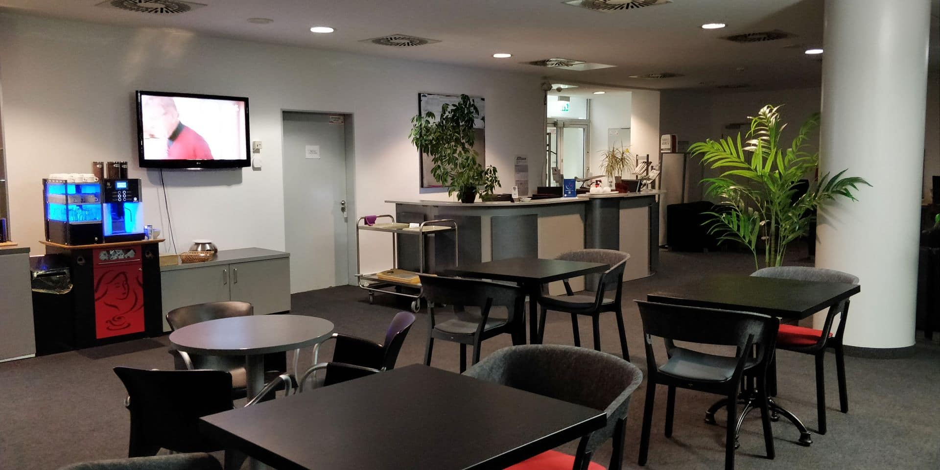 Review: Karl Jatho Lounge Hannover | Priority Pass im Test