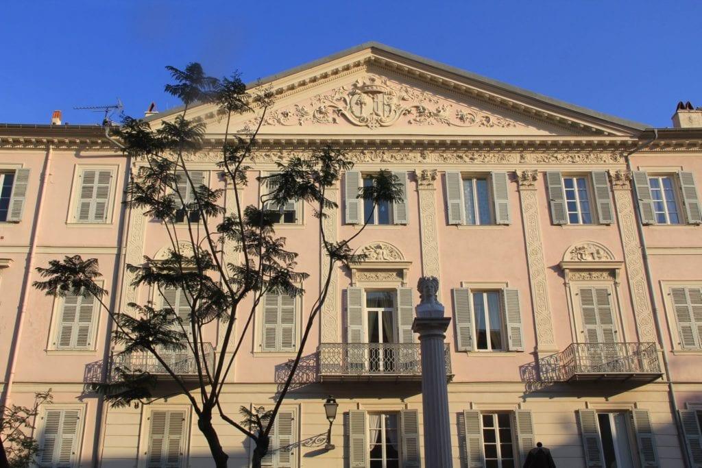 Menton Building