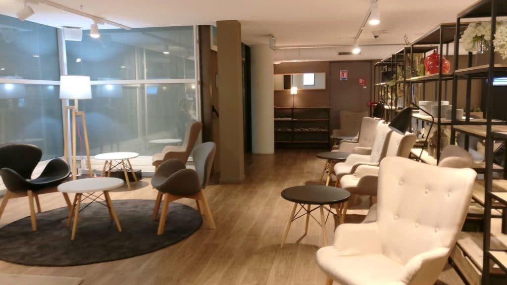 Premium Traveller Lounge Paris Orly 6