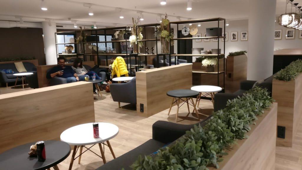 Premium Traveller Lounge Paris Orly 7