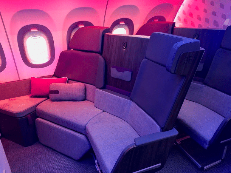 Airbus Schlaf-Couch