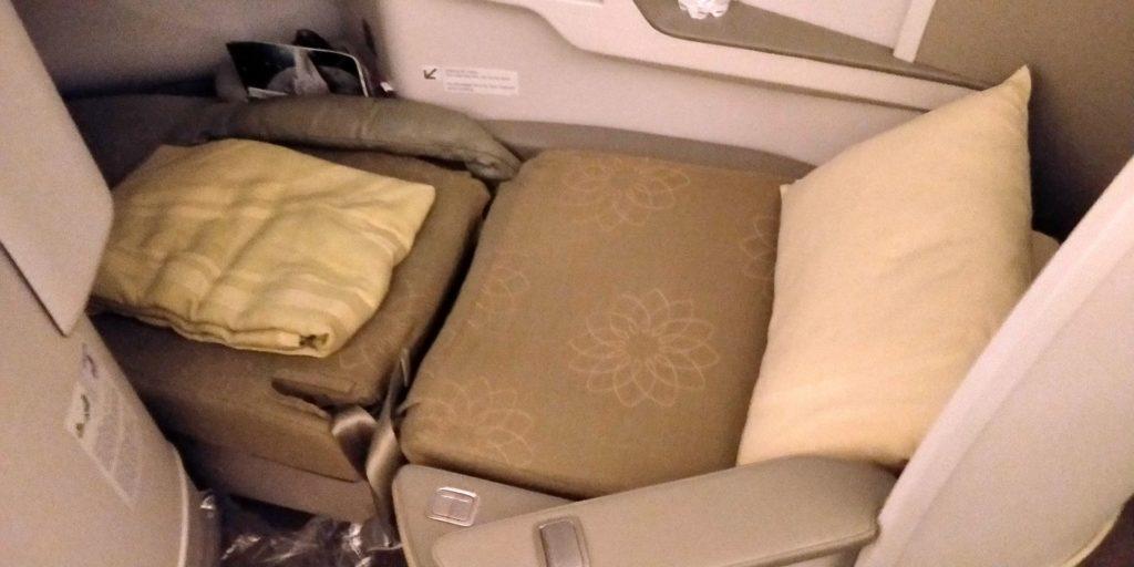 Vietnam Airlines Boeing 787 Business Class Bett