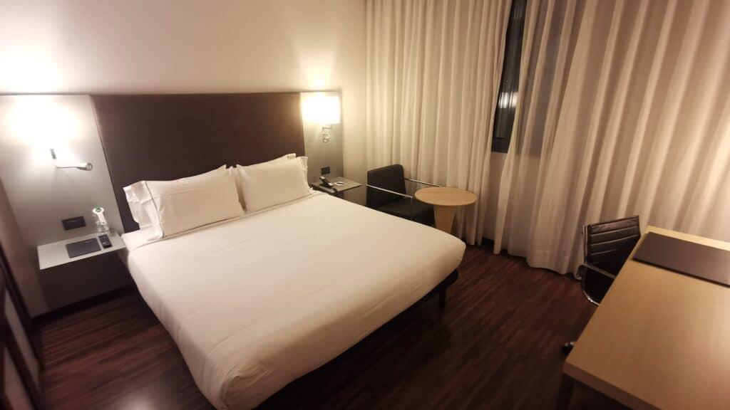 AC Hotel Bologna Bett