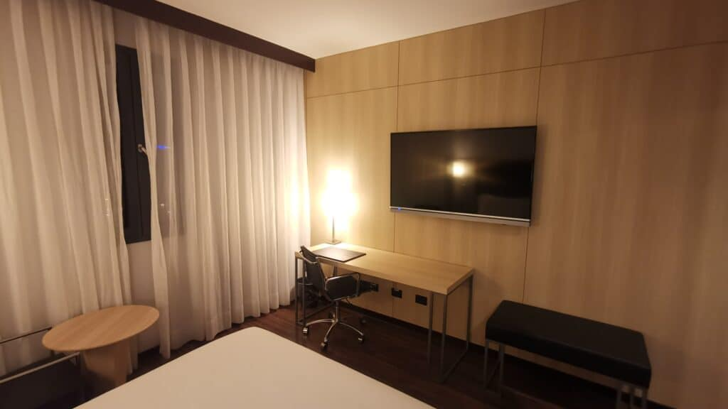 AC Hotel Bologna Zimmer