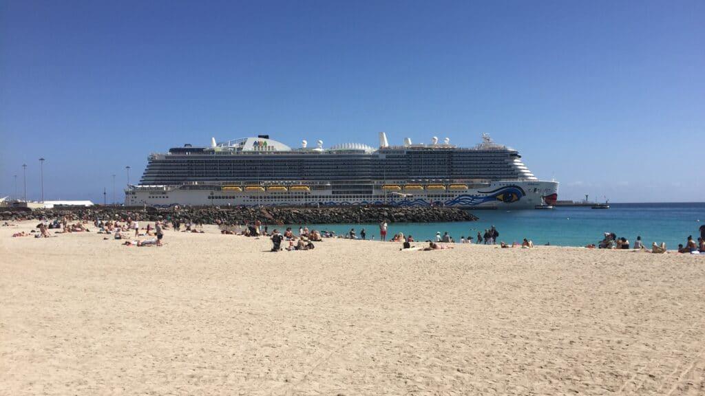 AIDAnova Puerto Del Rosario Fuerteventura Seitenansicht Vorschaubild