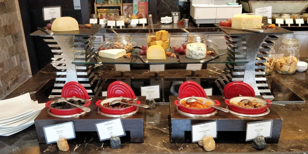 InterContinental Hanoi Westlake Lounge Frühstück