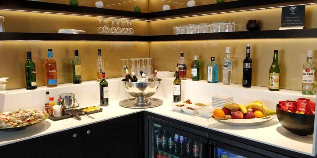 Star Alliance First Class Lounge Paris Buffet