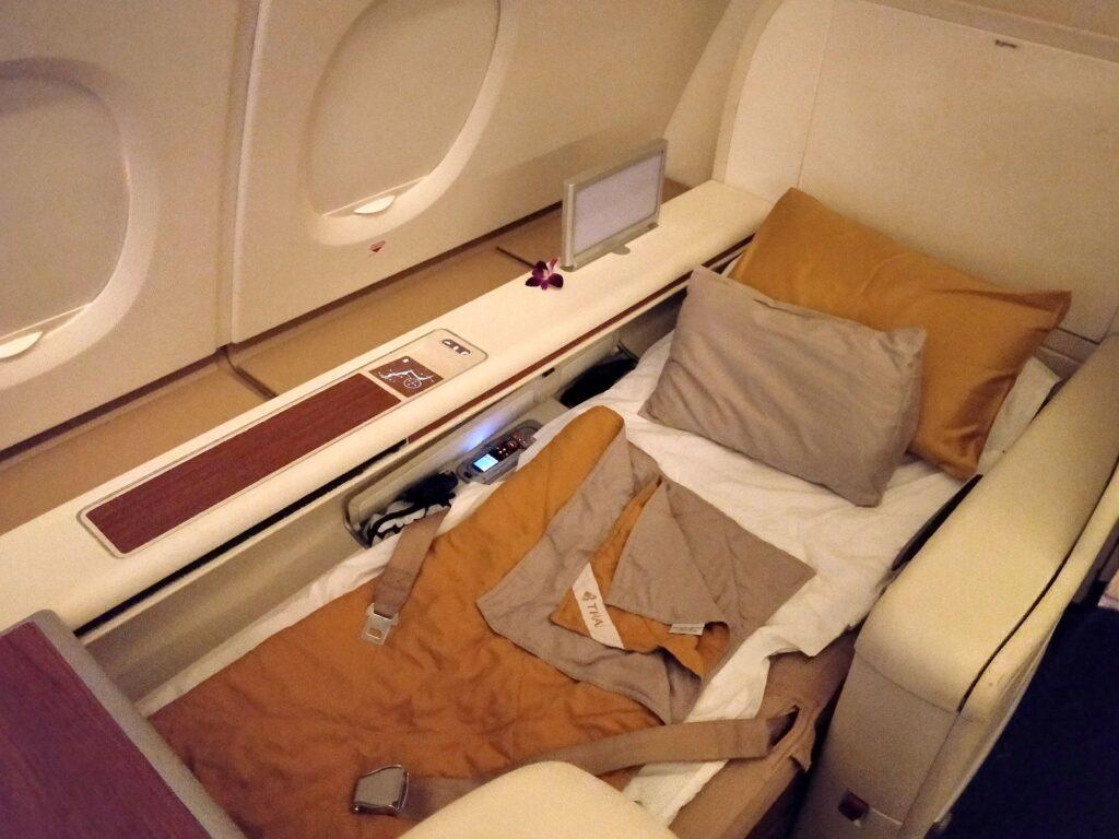 Thai Airways First Class Airbus A380 Bett 3