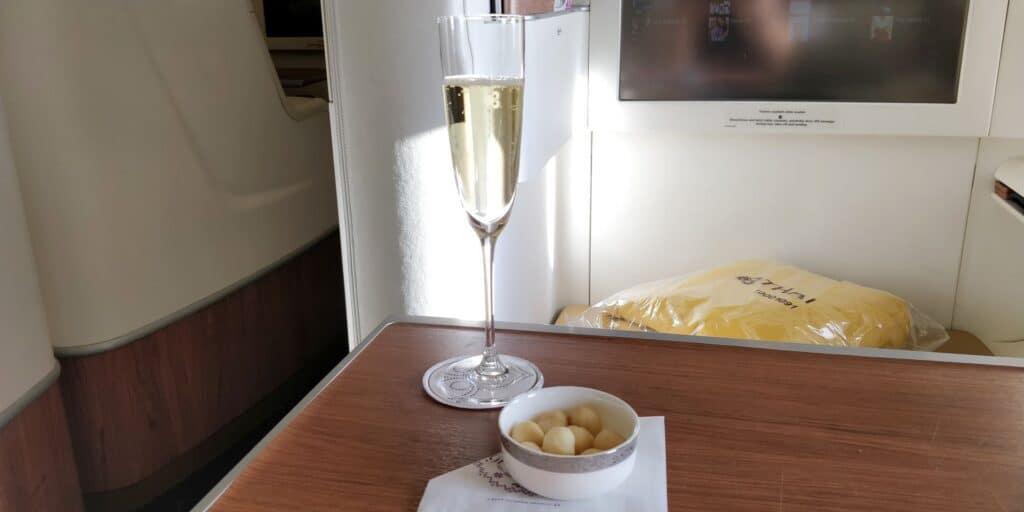 Thai Airways First Class Airbus A380 Champagner