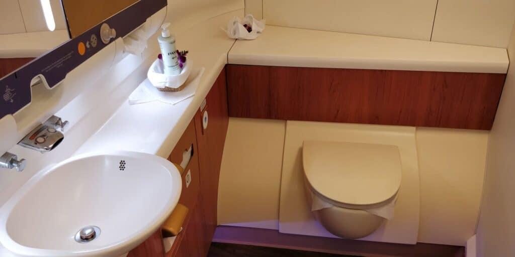 Thai Airways First Class Airbus A380 Toilette 3
