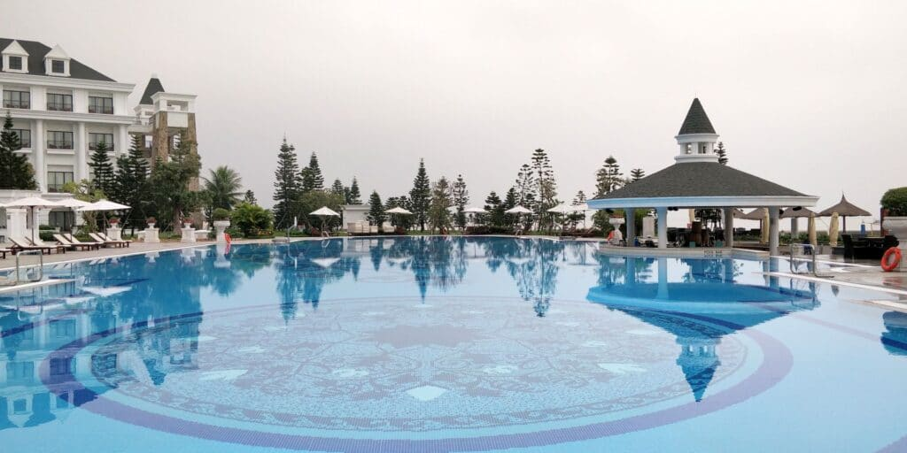 Vinpearl Resort Ha Long Bay Pool