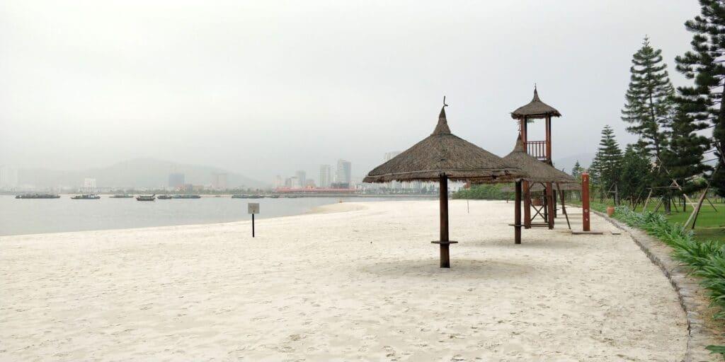 Vinpearl Resort Ha Long Bay Strand 3