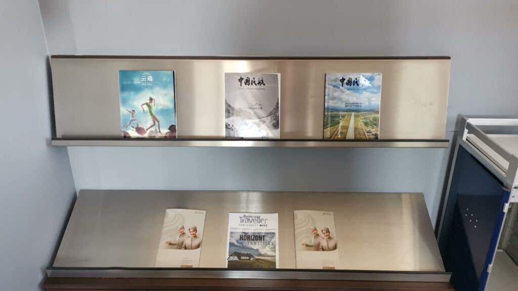 Weltbürger Lounge Berlin Tegel Zeitschriften