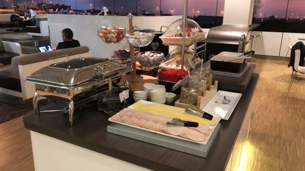 Aspire Lounge Amsterdam 26 Buffet 2