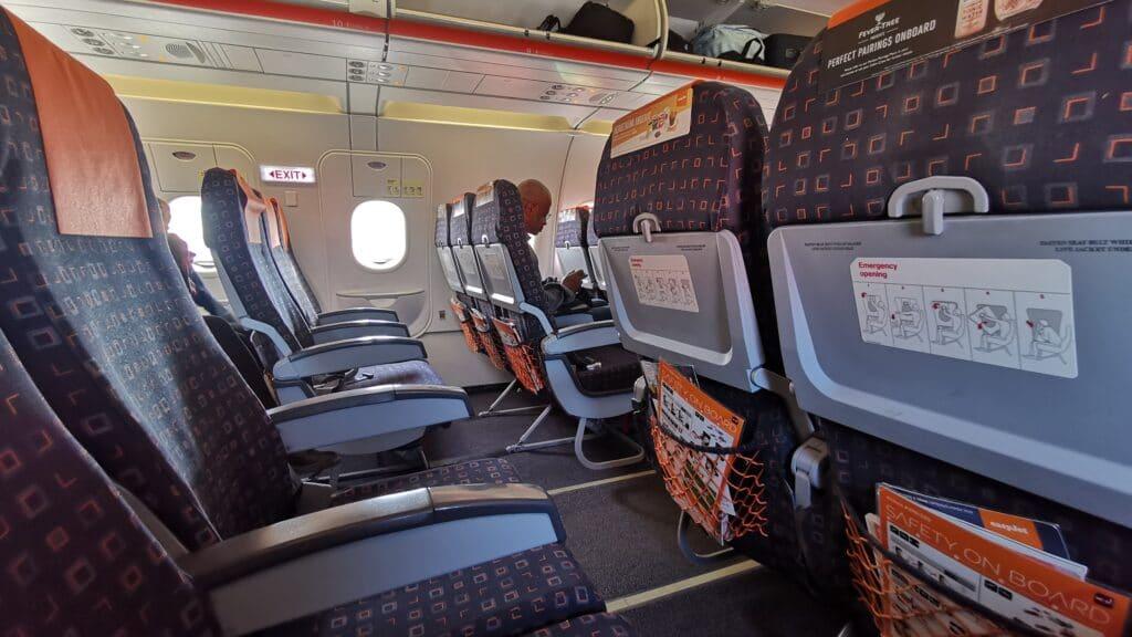 EasyJet A319 Kabine Exit Row