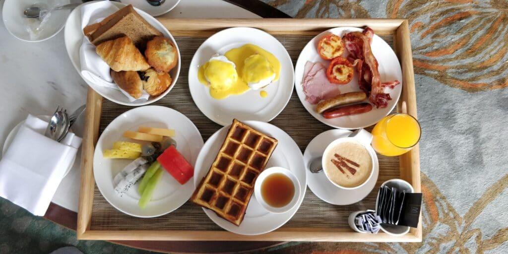 Hotel Royal Hoi An Room Service Frühstück