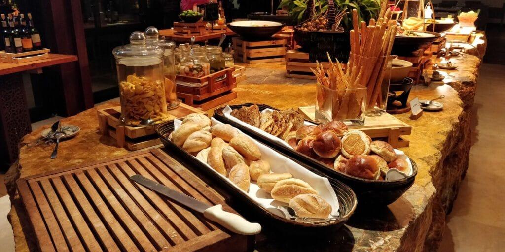 Hyatt Regency Danang Resort Lounge Abendessen