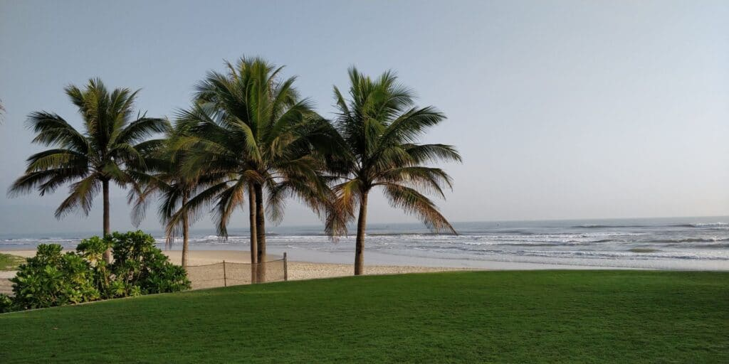 Hyatt Regency Danang Resort Strand 5