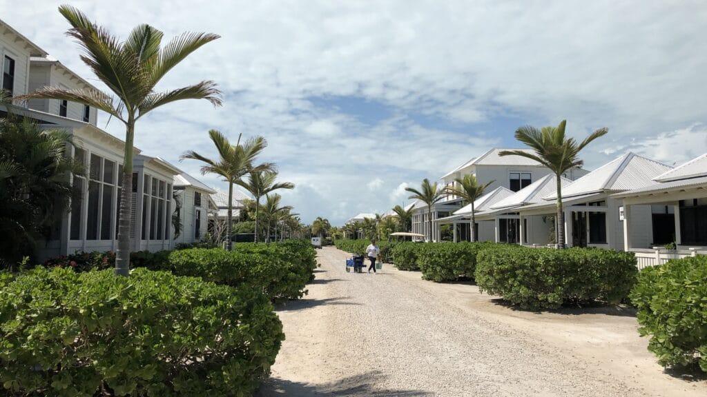 Mahogany Bay Resort Curio Collection By Hilton Gebäude