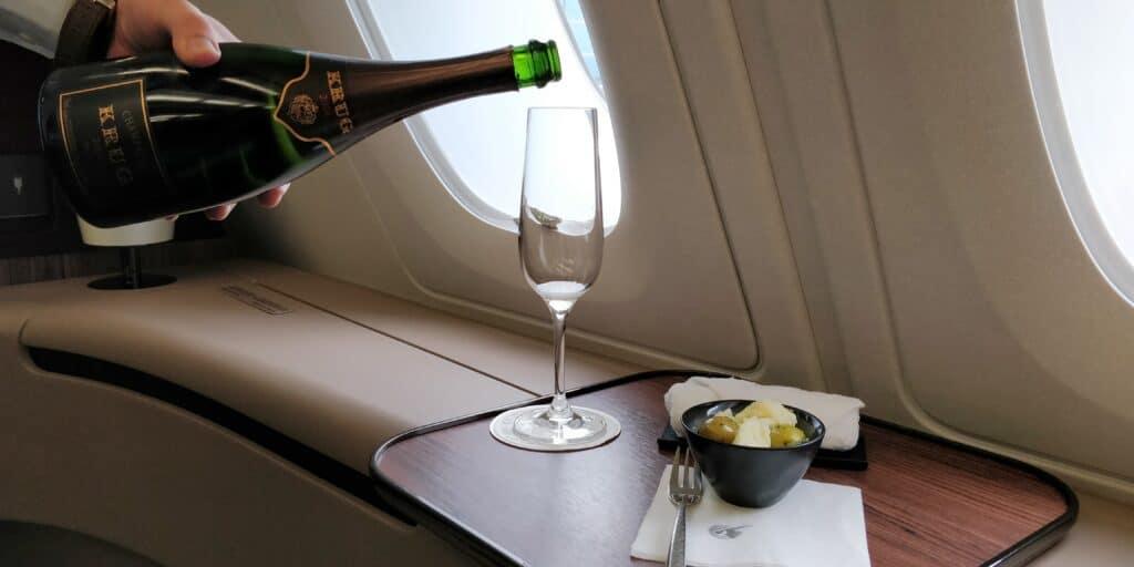 Qatar Airways First Class Champagner