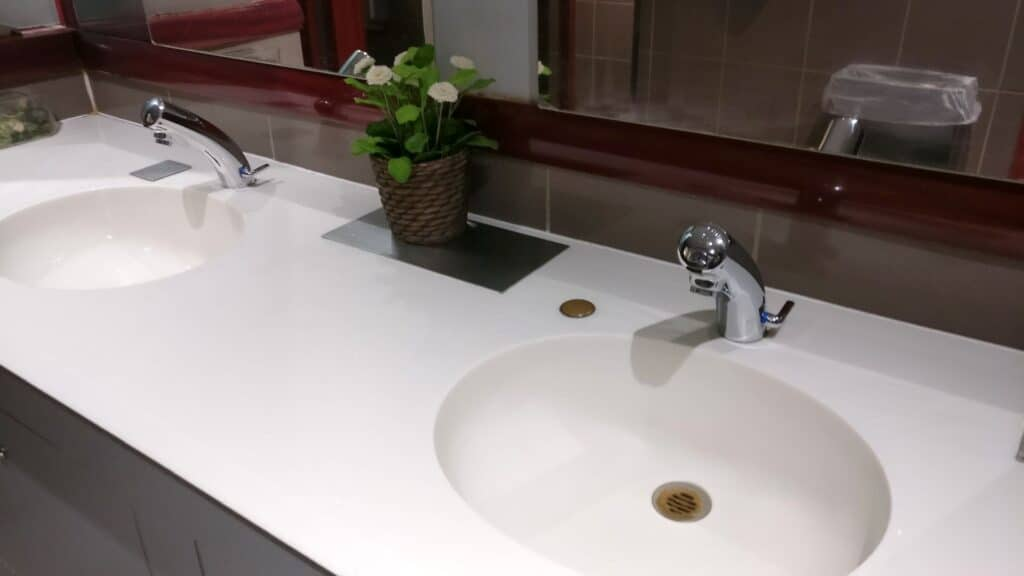 Sheltair Lounge Paris CDG Toiletten