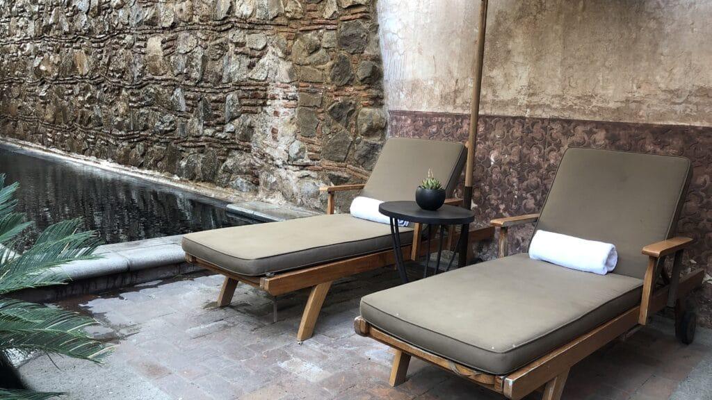 El Convento Boutique Hotel Antigua Guatemala Pool Liegen