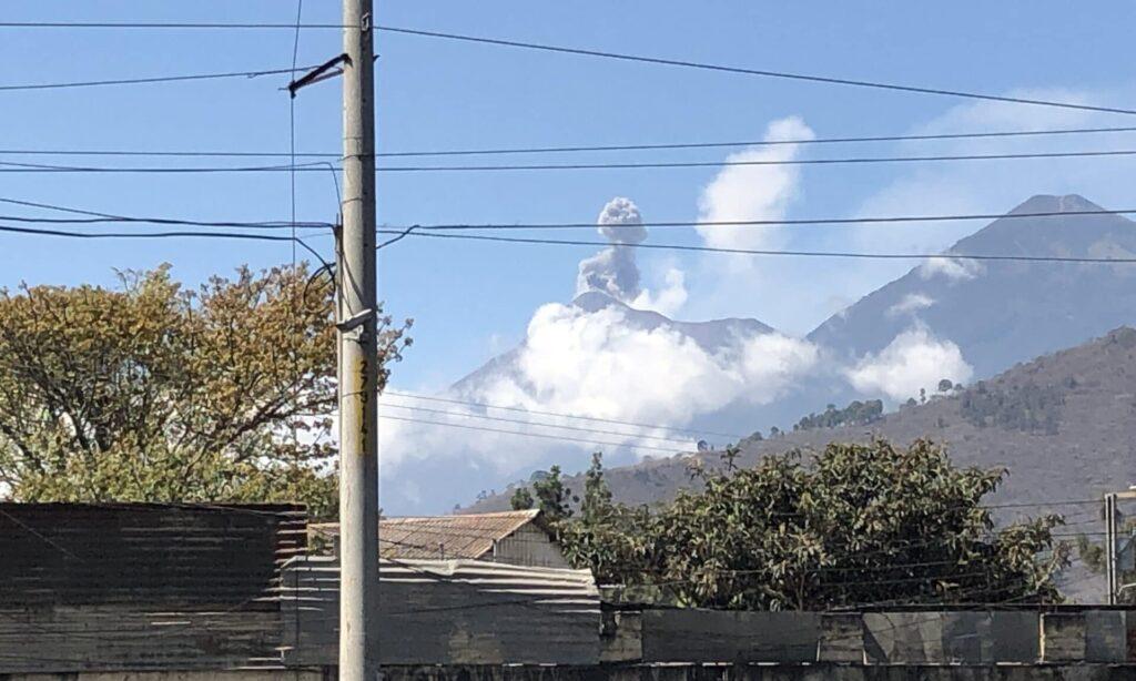 Fuego Vulkan Antigua Guatemala