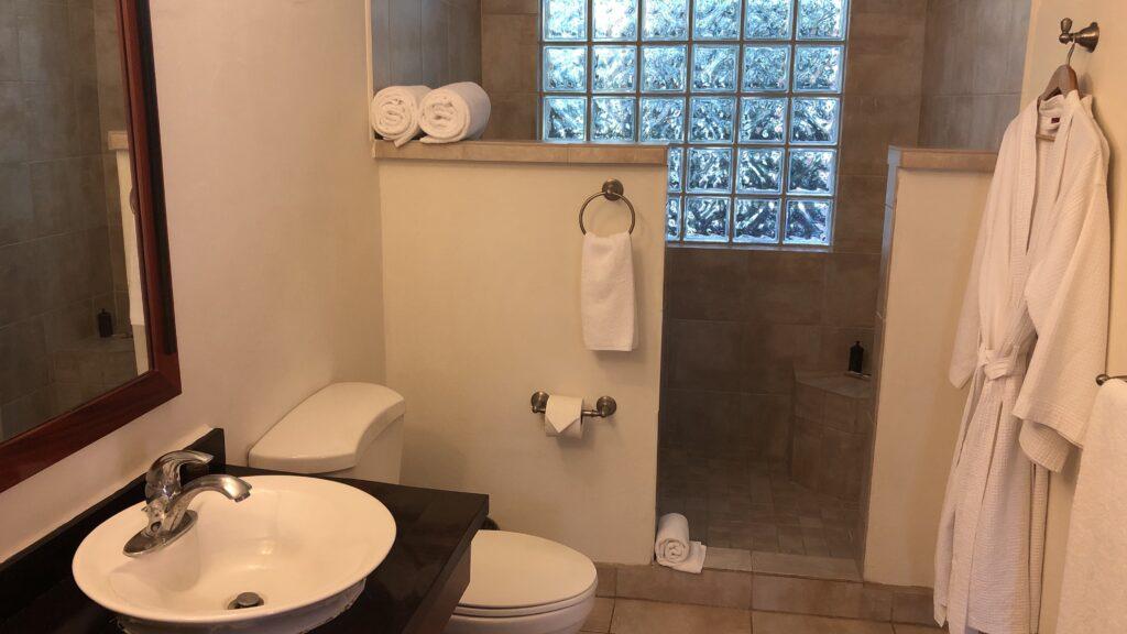 Ka'ana Resort San Ignacio Belize Master Casita Badezimmer