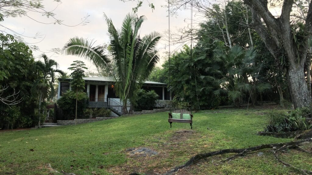 Ka'ana Resort San Ignacio Belize Master Casita Schaukel