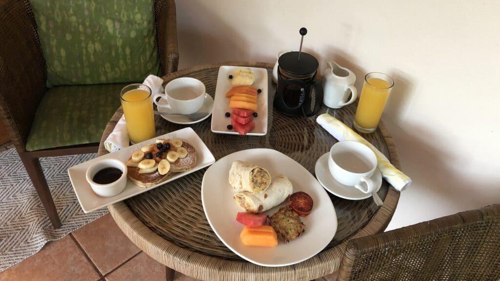 Ka'ana Resort San Ignacio Belize Room Service Frühstück