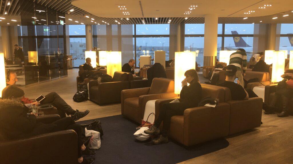 Lufthansa Senator Lounge Frankfurt A Sitze 2