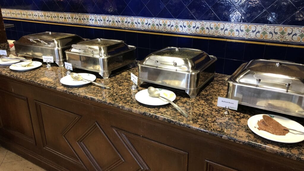 Radisson Belize City Buffet 4