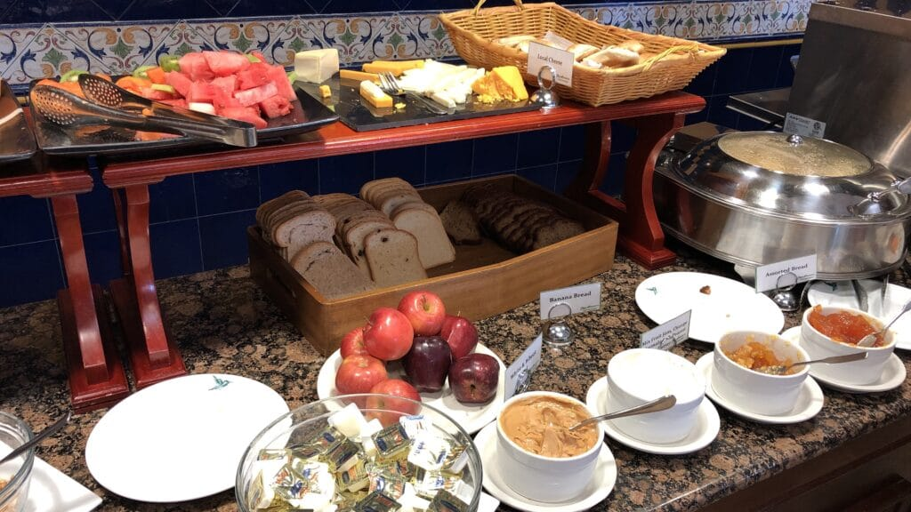Radisson Belize City Frühstück Buffet