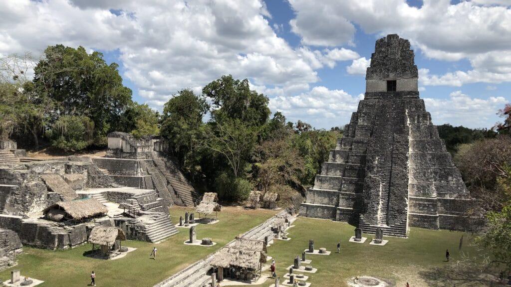 Tikal Central 2