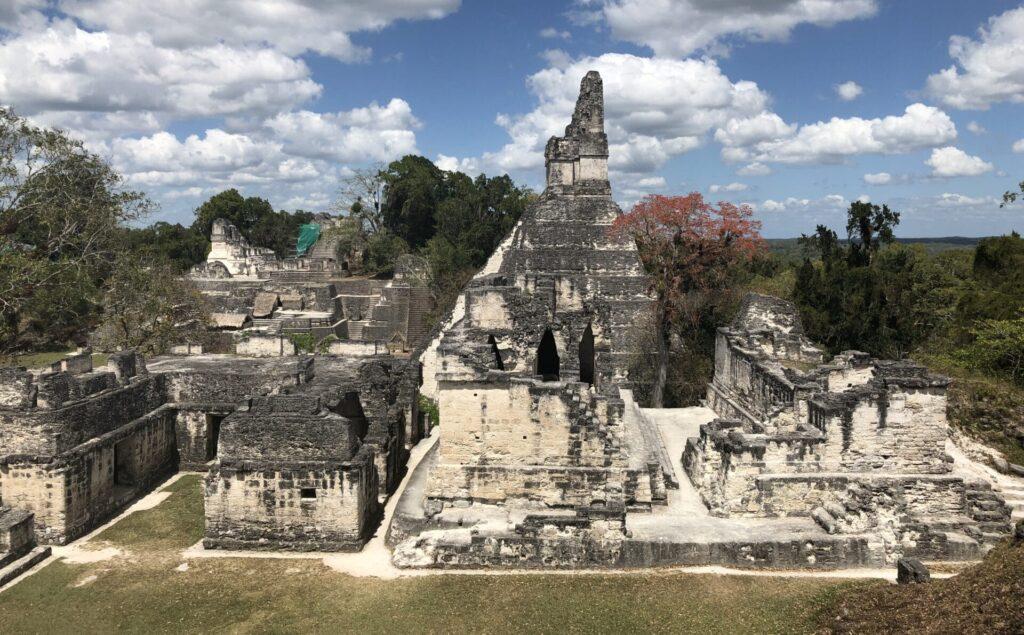 Tikal Palast