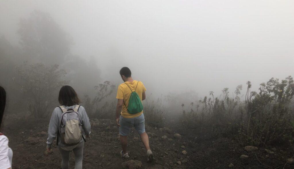 Vulkan Aufstieg Nebel Antigua Guatemala
