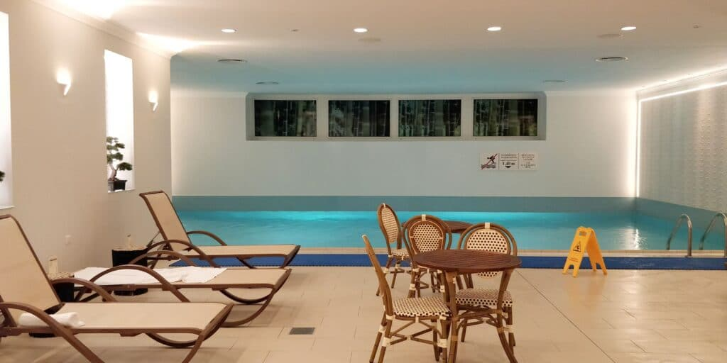 Crowne Plaza Berlin City Centre Pool